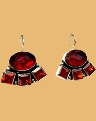Oxidized earring with stone_Maroon